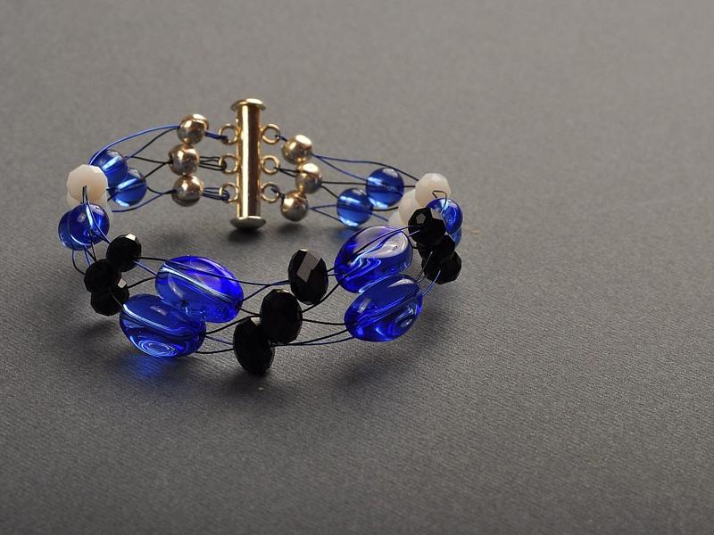 Гривна от циркони и чешки кристали - Йорданка Христова