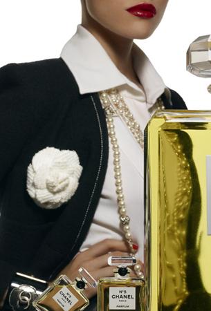 liubimite-perli-klasika-ot-koritsite-na-vogue-paris-19