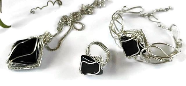 tvortsite-spodelyat-Petya's-jewelry-4